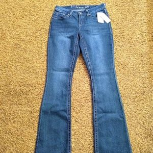 Seven7 Women's NWT 8 Boot Cut Jeans